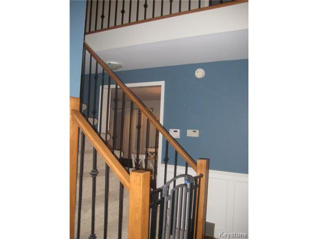 Photo 10: 55 Middlehurst Crescent in WINNIPEG: North Kildonan Residential for sale (North East Winnipeg)  : MLS® # 1417879