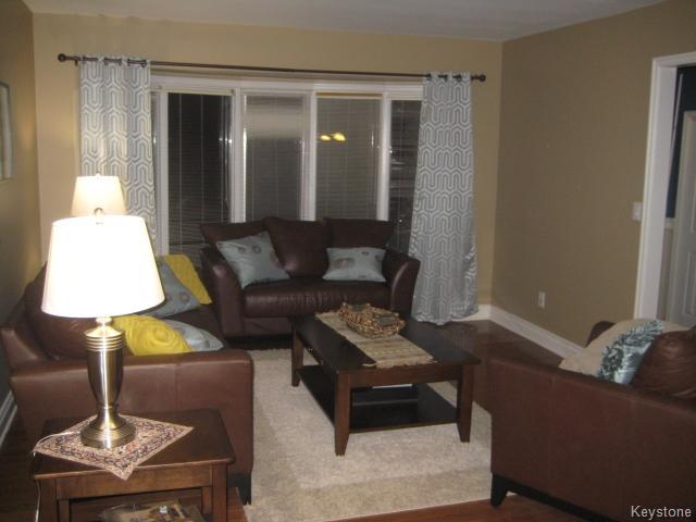 Photo 5: 55 Middlehurst Crescent in WINNIPEG: North Kildonan Residential for sale (North East Winnipeg)  : MLS® # 1417879