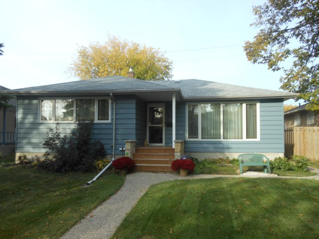 Main Photo: 911 Campbell Street in WINNIPEG: River Heights / Tuxedo / Linden Woods Residential for sale (South Winnipeg)  : MLS® # 1220287