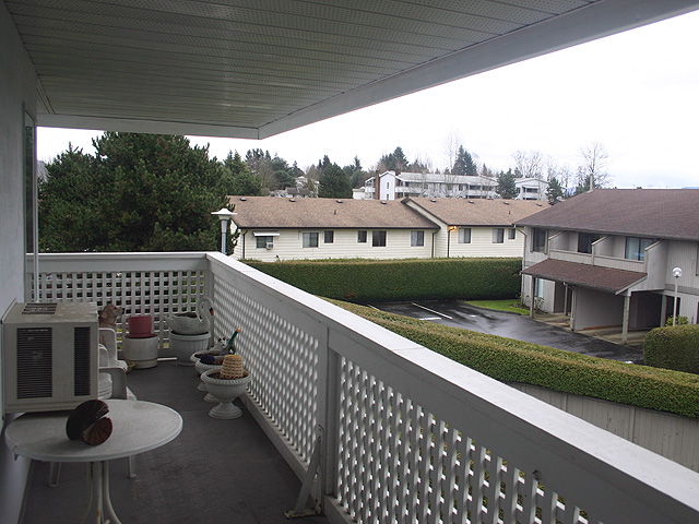 "Photo 11: 323 32853 LANDEAU Place in Abbotsford: Central Abbotsford Condo for sale in ""Park Place"" : MLS® # F1300693"