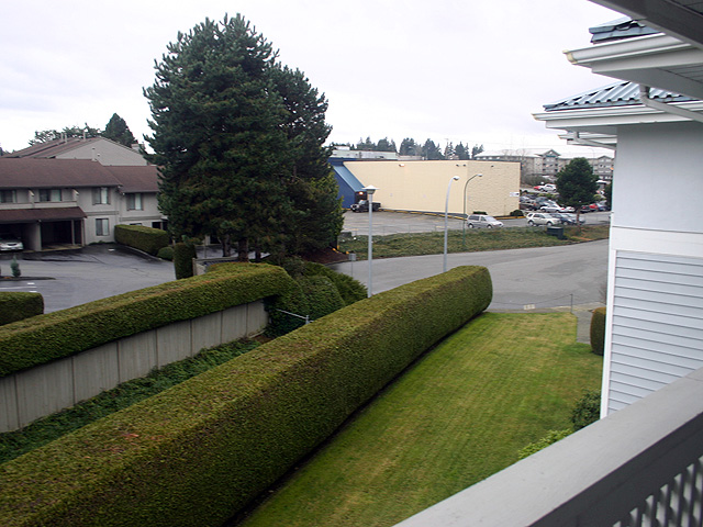 "Photo 12: 323 32853 LANDEAU Place in Abbotsford: Central Abbotsford Condo for sale in ""Park Place"" : MLS® # F1300693"