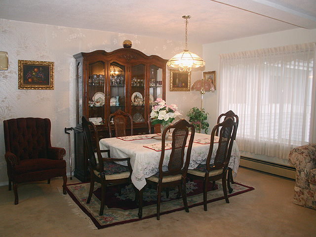 "Photo 4: 323 32853 LANDEAU Place in Abbotsford: Central Abbotsford Condo for sale in ""Park Place"" : MLS® # F1300693"