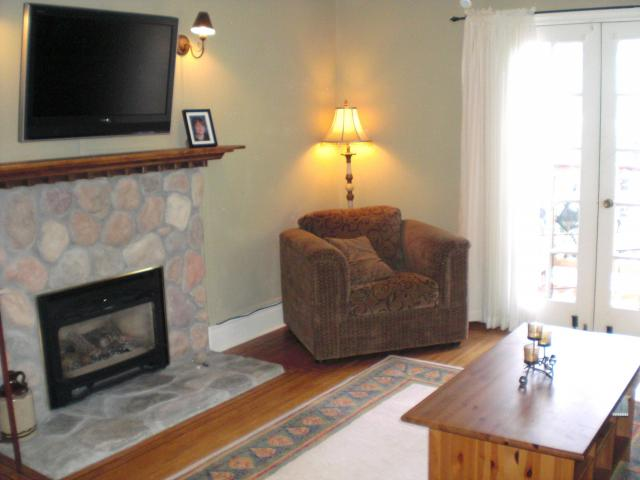 Photo 5: 2142 8TH AV in : Connaught Heights House for sale : MLS® # V815870
