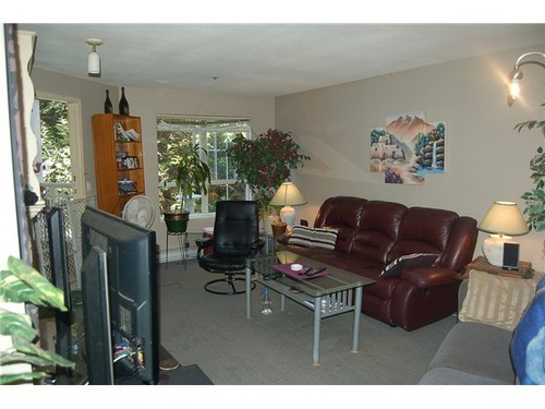 Photo 3: 214 2960 PRINCESS Crescent in Coquitlam: Canyon Springs Home for sale ()  : MLS(r) # V975662
