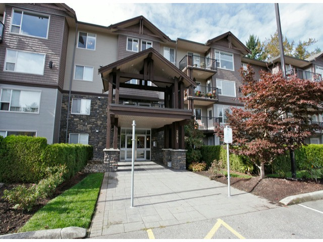 Main Photo: 205 2581 Langdon Street in Abbotsford, Abbotsford West: Condo for sale : MLS® # F1429477