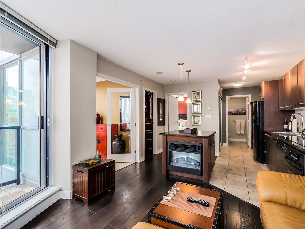 Photo 4: 2308 1155 SEYMOUR STREET in Vancouver: Downtown VW Condo for sale (Vancouver West)  : MLS® # R2026499