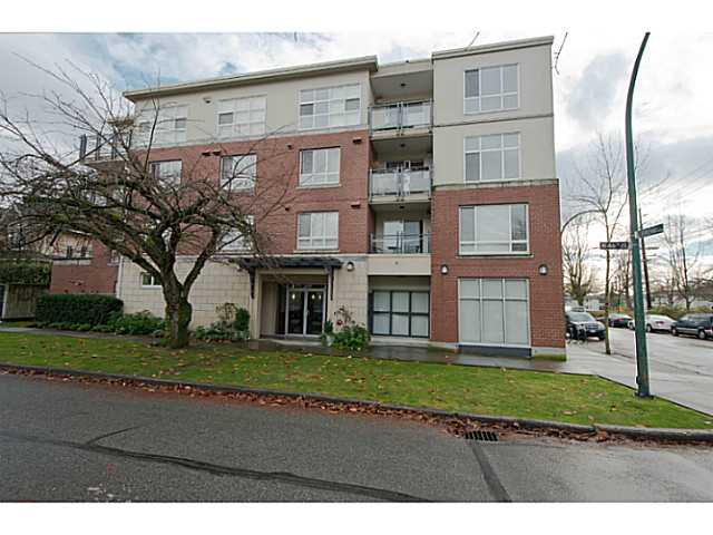 "Main Photo: 101 2096 W 46TH Avenue in Vancouver: Kerrisdale Condo for sale in ""KERRISDALE LANDING"" (Vancouver West)  : MLS® # V981850"