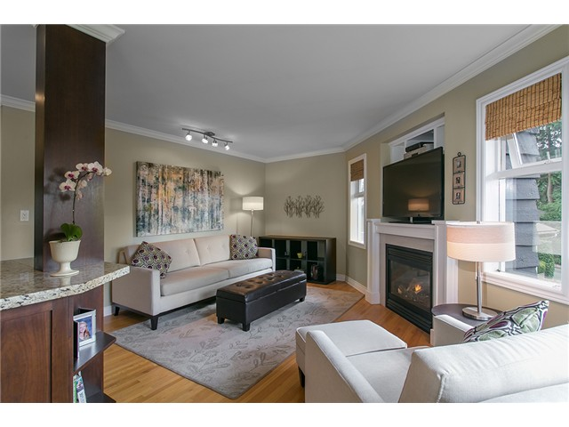 Photo 7: Photos: 4631 CEDARCREST AV in North Vancouver: Canyon Heights NV House for sale : MLS®# V1115330