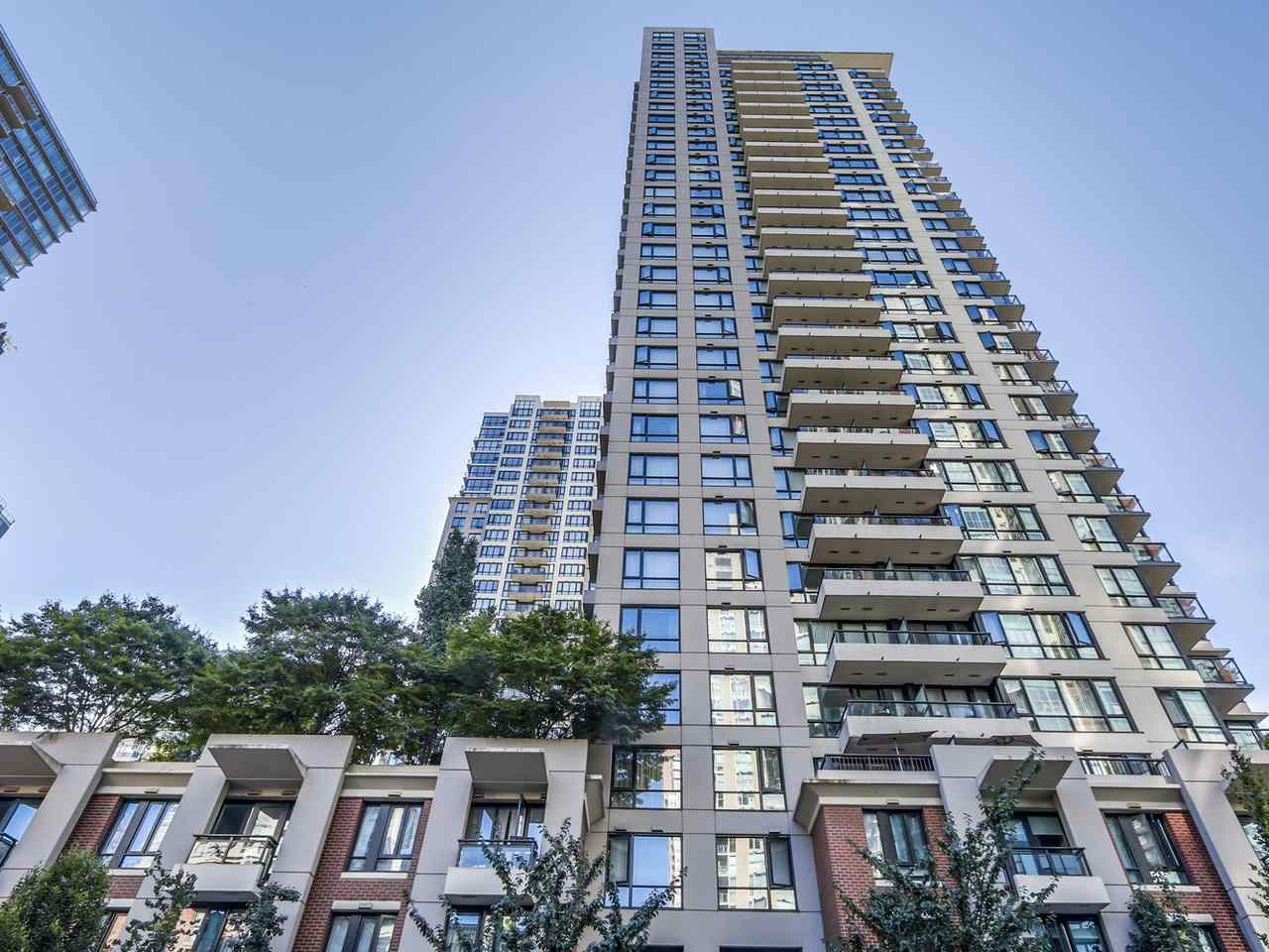 Main Photo: 2405 928 HOMER STREET in Vancouver: Yaletown Condo for sale (Vancouver West)  : MLS® # R2103981
