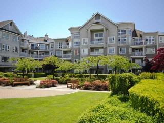 "Main Photo: 122 5888 DOVER Crescent in Richmond: Riverdale RI Condo for sale in ""PELICAN POINTE"" : MLS® # V940767"