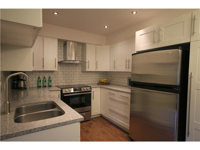 "Main Photo: 109 1040 E BROADWAY in Vancouver: Mount Pleasant VE Condo for sale in ""MARINER MEWS"" (Vancouver East)  : MLS® # V992344"
