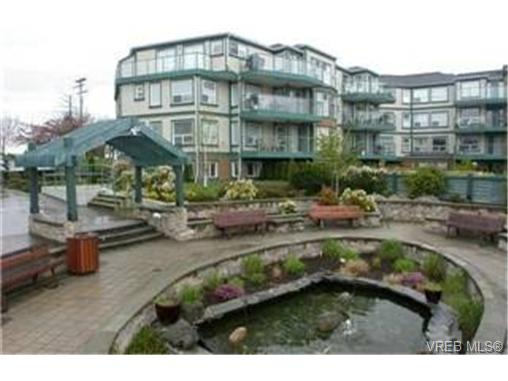 Main Photo: 102 898 Vernon Avenue in VICTORIA: SE Swan Lake Condo Apartment for sale (Saanich East)  : MLS(r) # 245398