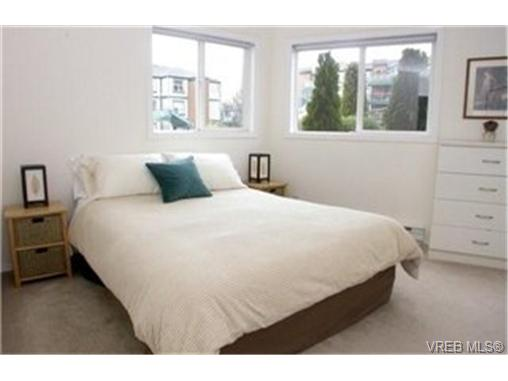 Photo 4: 102 898 Vernon Avenue in VICTORIA: SE Swan Lake Condo Apartment for sale (Saanich East)  : MLS(r) # 245398