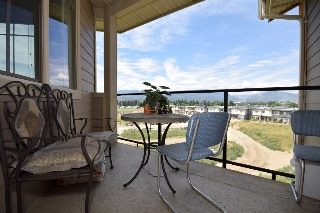 Main Photo: 410 3733 Casorso Road in Kelowna: Lower Mission Condo for sale : MLS(r) # 10102243