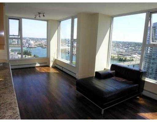 "Photo 2: 3007 1009 EXPO BV in Vancouver: Downtown VW Condo for sale in ""LANDMARK 33"" (Vancouver West)  : MLS® # V549103"