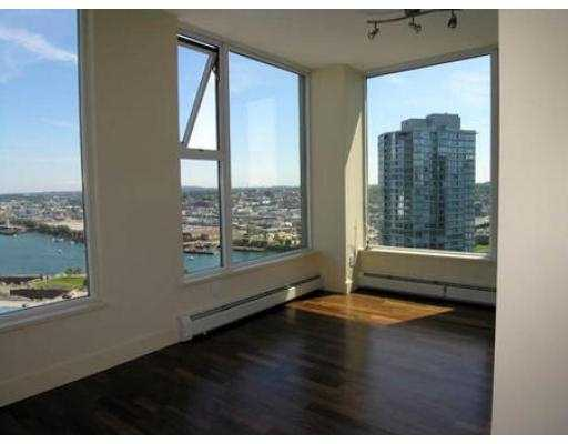 "Photo 4: 3007 1009 EXPO BV in Vancouver: Downtown VW Condo for sale in ""LANDMARK 33"" (Vancouver West)  : MLS® # V549103"