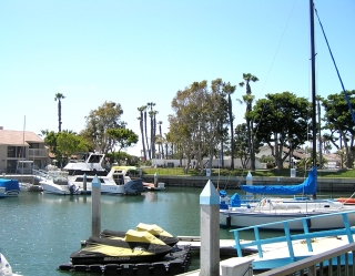 Main Photo: Condo for sale : 3 bedrooms : 88 W Kingston Court in Coronado