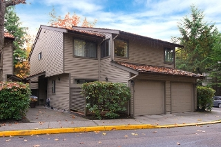 Main Photo: 5886 MAYVIEW CIRCLE in Burnaby: Burnaby Lake Townhouse for sale (Burnaby South)  : MLS(r) # R2108598