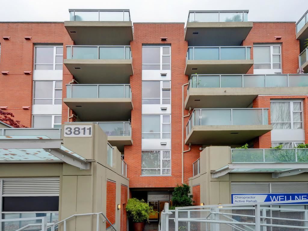 Photo 10: 403 3811 Hastings Street in Burnaby: Vancouver Heights Condo for sale (Burnaby North)  : MLS(r) # R2119090