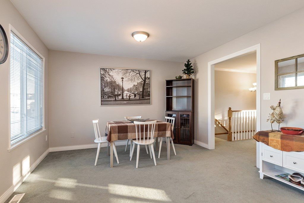 Photo 5: 27227 27a Avenue in Langley: Aldergrove Langley House for sale : MLS(r) # R2128394