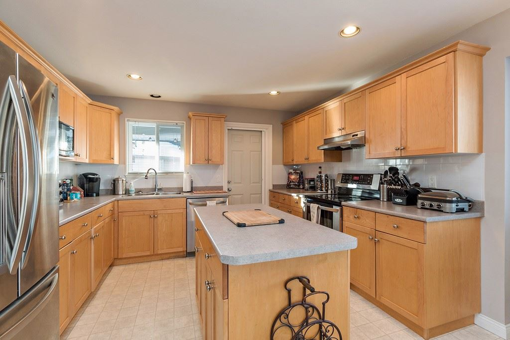 Photo 4: 27227 27a Avenue in Langley: Aldergrove Langley House for sale : MLS(r) # R2128394
