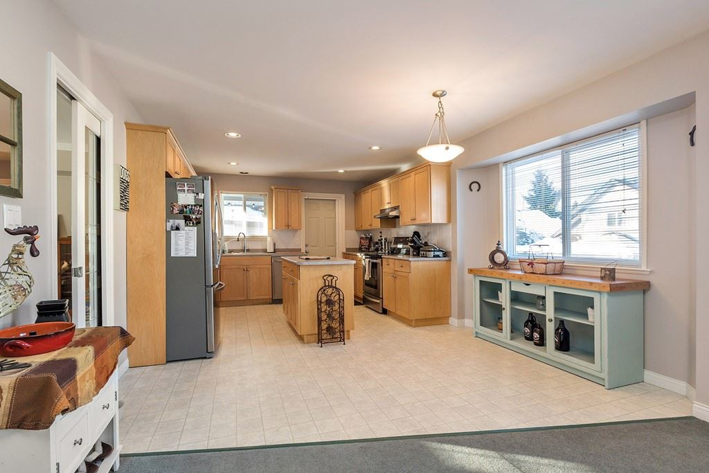 Photo 6: 27227 27a Avenue in Langley: Aldergrove Langley House for sale : MLS(r) # R2128394
