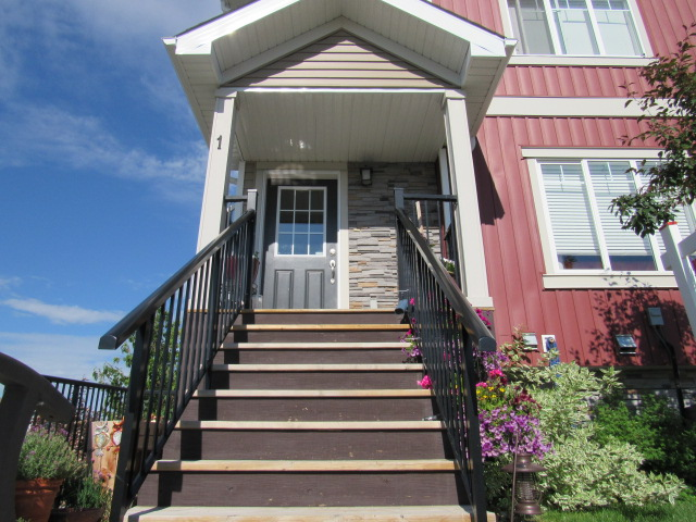 Main Photo: 1, 13810 - 166 Avenue NW in Edmonton: Townhouse for rent