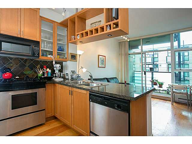 "Photo 5: 422 8988 HUDSON Street in Vancouver: Marpole Condo for sale in ""RETRO"" (Vancouver West)  : MLS® # V1009870"