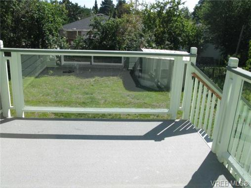 Photo 7: 235 Battleford Avenue in VICTORIA: SW Tillicum Single Family Detached for sale (Saanich West)  : MLS® # 324329