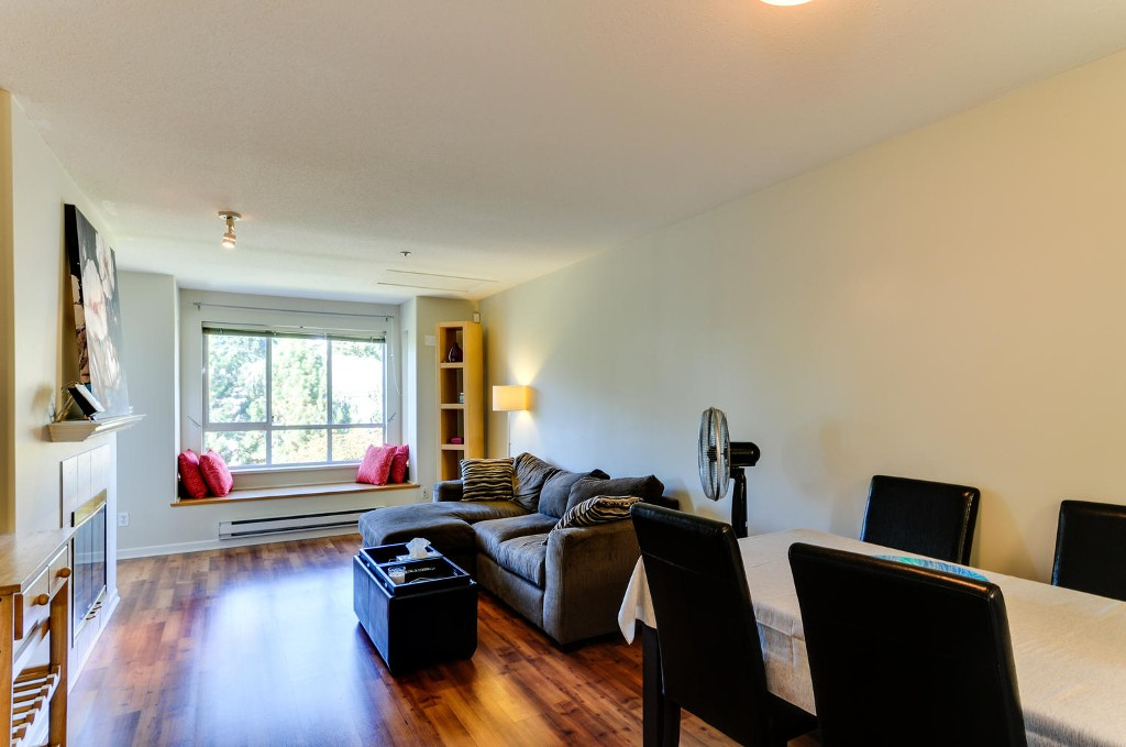 Photo 5: # 407 6745 STATION HILL CT in Burnaby: South Slope Condo for sale (Burnaby South)  : MLS® # V1087285