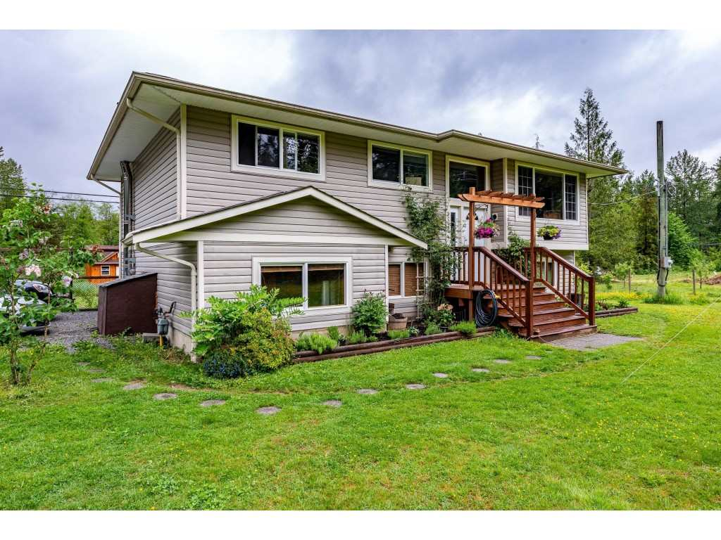 FEATURED LISTING: 30039 DEWDNEY TRUNK Road Mission