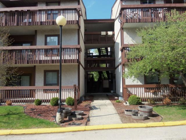 Main Photo: 138 Portsmouth Boulevard in WINNIPEG: River Heights / Tuxedo / Linden Woods Condominium for sale (South Winnipeg)  : MLS® # 1208844