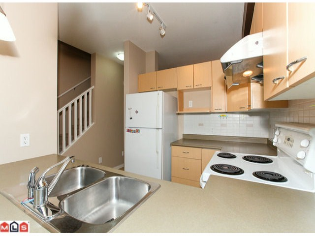 "Photo 7: 22 18701 66TH Avenue in Surrey: Cloverdale BC Townhouse for sale in ""ENCORE"" (Cloverdale)  : MLS® # F1215196"