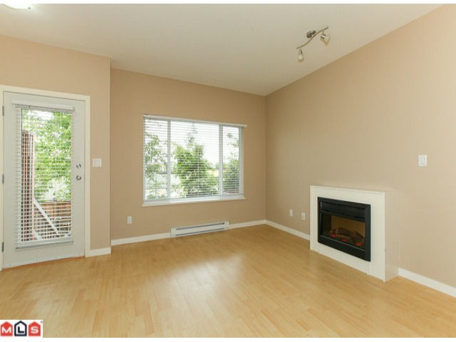 "Photo 3: 22 18701 66TH Avenue in Surrey: Cloverdale BC Townhouse for sale in ""ENCORE"" (Cloverdale)  : MLS® # F1215196"