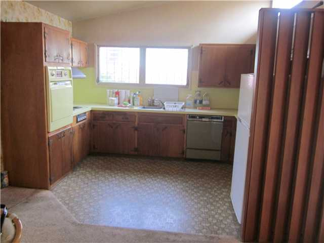 Photo 6: CLAIREMONT House for sale : 3 bedrooms : 4607 Monongahela Street in San Diego