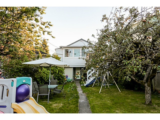 Photo 10: 779 E 31ST Avenue in Vancouver: Fraser VE House for sale (Vancouver East)  : MLS(r) # V986349