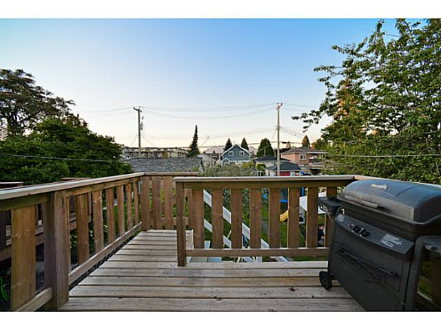 Photo 9: 779 E 31ST Avenue in Vancouver: Fraser VE House for sale (Vancouver East)  : MLS(r) # V986349