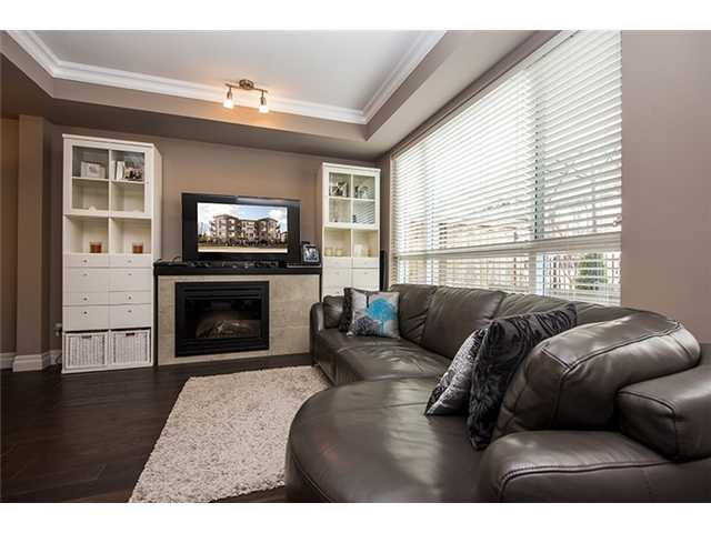 Photo 2: # 104 2343 ATKINS AV in Port Coquitlam: Central Pt Coquitlam Condo for sale : MLS(r) # V1010226