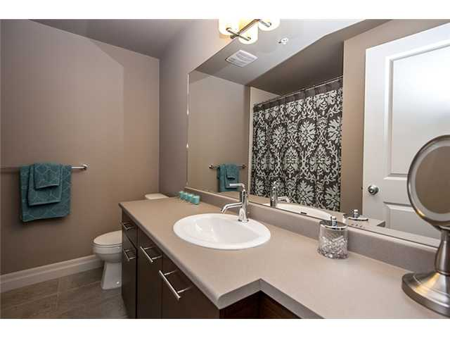 Photo 8: # 104 2343 ATKINS AV in Port Coquitlam: Central Pt Coquitlam Condo for sale : MLS(r) # V1010226