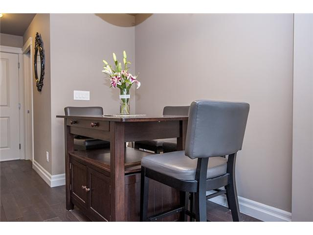 Photo 3: # 104 2343 ATKINS AV in Port Coquitlam: Central Pt Coquitlam Condo for sale : MLS(r) # V1010226
