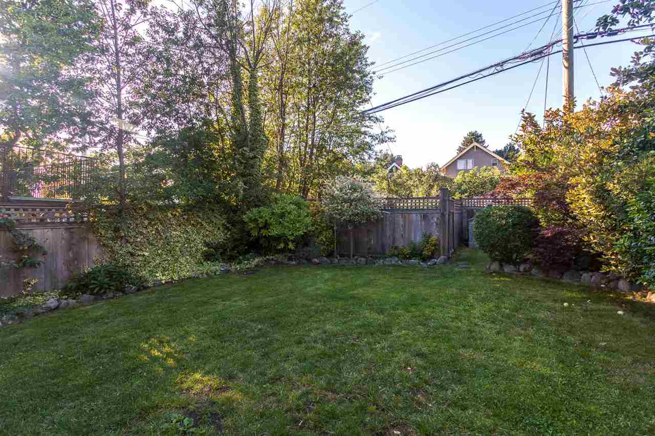 Photo 15: 2645 W 11TH AVENUE in Vancouver: Kitsilano House for sale (Vancouver West)  : MLS® # R2089393