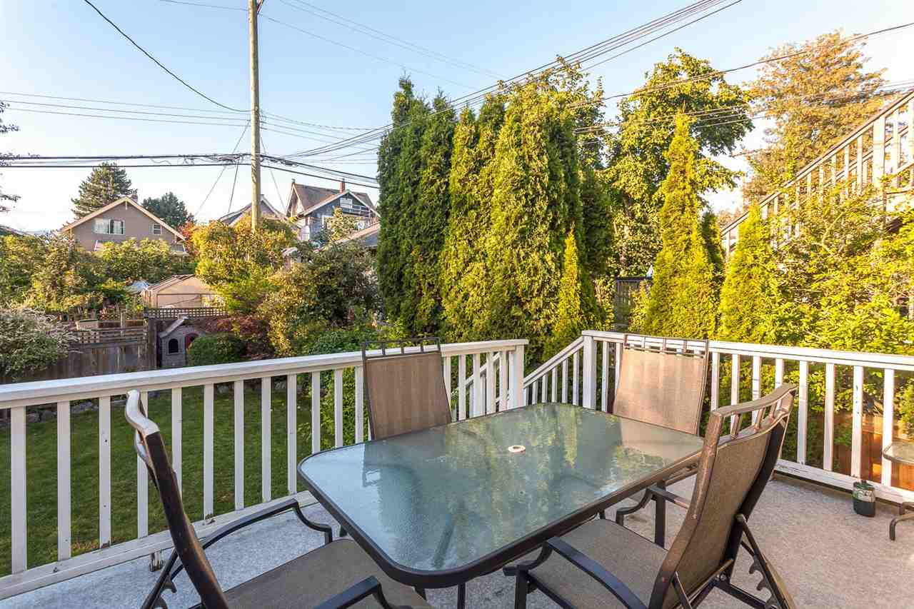 Photo 11: 2645 W 11TH AVENUE in Vancouver: Kitsilano House for sale (Vancouver West)  : MLS® # R2089393