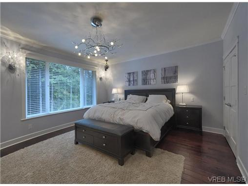 Photo 11: 710 Red Cedar Court in VICTORIA: Hi Western Highlands Single Family Detached for sale (Highlands)  : MLS(r) # 318998