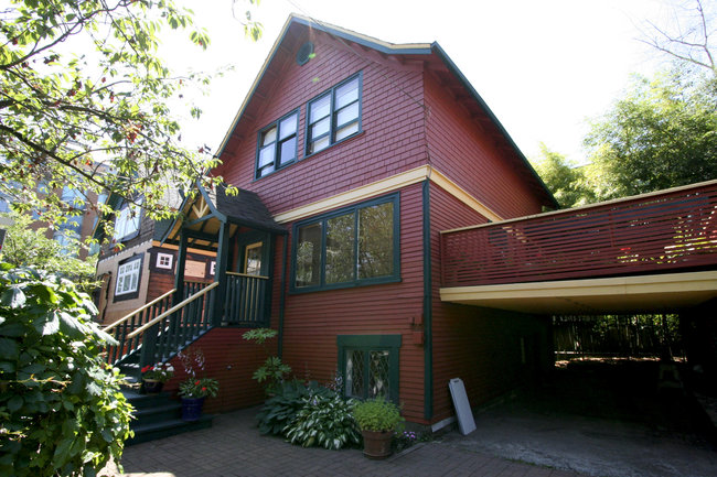Main Photo: 2415 Yew Street in Vancouver: Kitsilano Home for sale ()  : MLS® # V961678