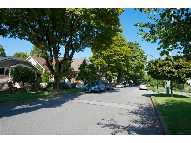 Photo 13: 3325 QUEBEC Street in Vancouver: Main House for sale (Vancouver East)  : MLS(r) # V1027550