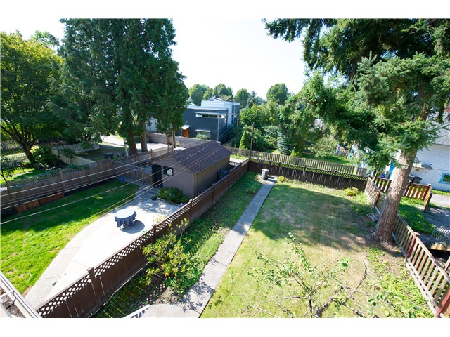 Photo 5: 3325 QUEBEC Street in Vancouver: Main House for sale (Vancouver East)  : MLS(r) # V1027550