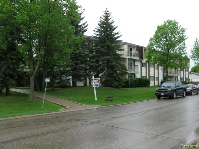 Photo 2: Photos: 35 Wynford Drive in WINNIPEG: Transcona Apartment for sale (North East Winnipeg)  : MLS® # 1412798