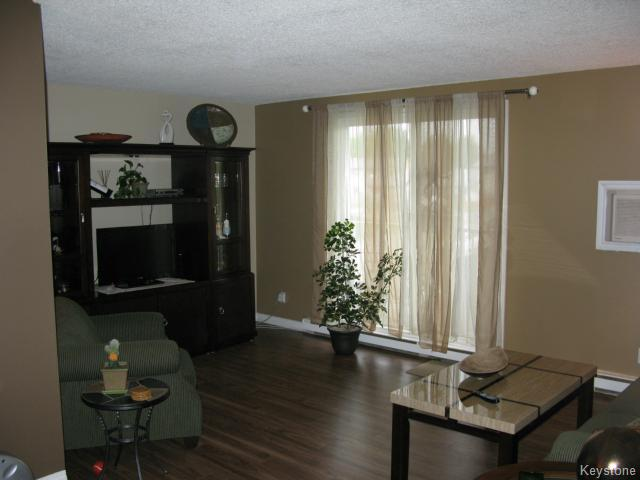 Photo 3: Photos: 35 Wynford Drive in WINNIPEG: Transcona Apartment for sale (North East Winnipeg)  : MLS® # 1412798