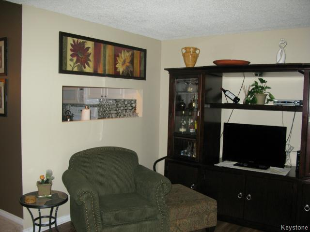 Photo 8: Photos: 35 Wynford Drive in WINNIPEG: Transcona Apartment for sale (North East Winnipeg)  : MLS® # 1412798