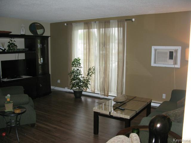 Photo 4: Photos: 35 Wynford Drive in WINNIPEG: Transcona Apartment for sale (North East Winnipeg)  : MLS® # 1412798